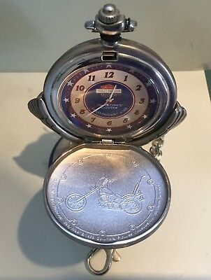 HARLEY-DAVIDSON Montre gousset Collector's Pocket Watch on a stand Franklin Mint
