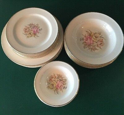1942 Edwin M Knowles 40 pc Semi Vitreous China Excellent Pre-owned Condition