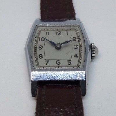 Beautiful Antique Art Deco Style anonimo watch circa 1930s, NOS