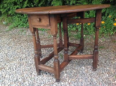 EARLY 19th C. GATE LEG DINING TABLE OAK PEGGED WITH DRAWER