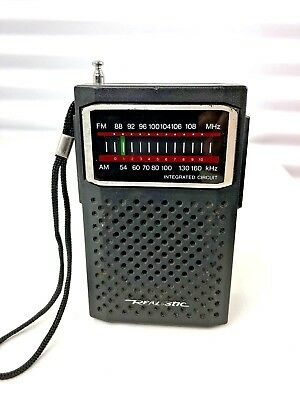 Realistic AM/FM Radio Model: 12-634 A Originally Sold by Radio Shack Vintage