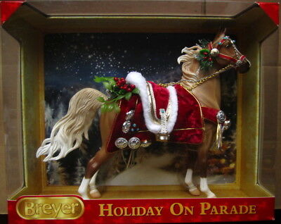 New in Box Breyer Holiday Horse 700116 Christmas On Parade 2013 17th in Series