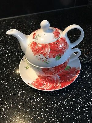 Fine Bone China Tea  Cup & Teapot With Beautiful Red Poppies Design