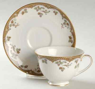 Royal Doulton LYNNEWOOD Cup & Saucer 558568