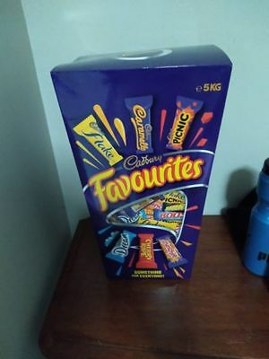 ~*~5 Kg Box Of Cadbury Favourites~200 Pieces~*~