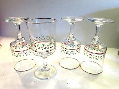 Arby's 1986 Christmas Holly Berry • Set Of 4 Wine/water Stem Glasses  • 6 3/4""