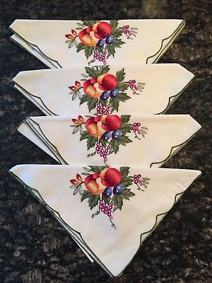 Vintage Lot of 4 Crisp Cotton Embroidered Napkins Pristine *Estate Find*