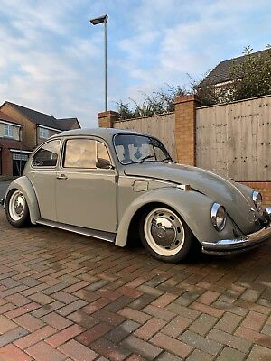Wedding car hire - classic VW beetle, Pontefract, Yorkshire and surrounding area