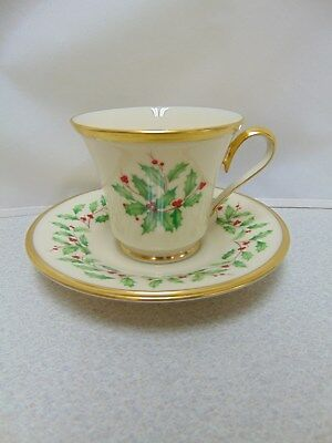 ❤ Lenox HOLIDAY DIMENSION Cup and Saucer