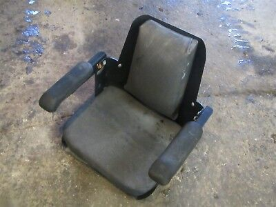CASE/Ingersoll 222 224 444 446 448 3010 3014 3016 4020 3012 Tractor Seat