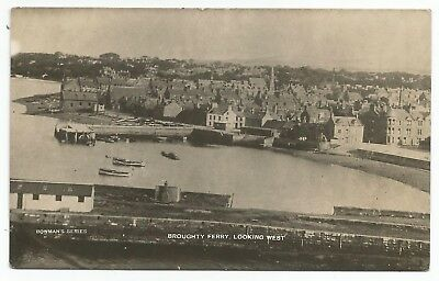 POSTCARDS-SCOTLAND-BROUGHTY FERRY-RP. Looking West from The Castle.