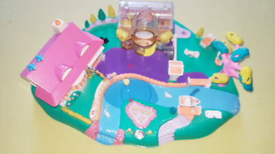 Polly Pocket Mini Bluebird 1996 Magnetwelt Magical Movin Pollyville Boutique. -1