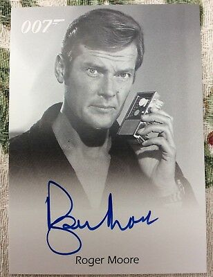 James Bond In Motion Full Bleed Autograph Card Roger Moore [6 Case]
