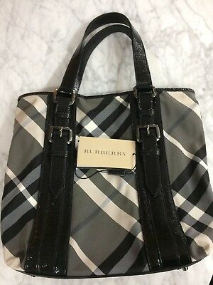 59afe77089cb BURBERRY BEAT LOWRY NYLON TOTE BLACK Patent Purse Handbag Tote