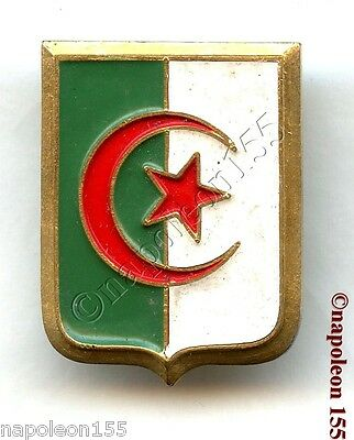 Insigne F.L.N. Algerie. Fab. Mourgeon