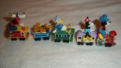 1998 Hallmark Merry Miniatures Mickey Mouse Express Train 5 Piece Lot