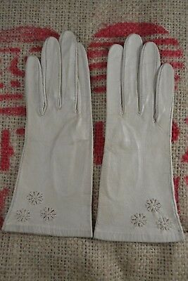 VINTAGE 1960s taupe floral embroidered leather gloves size 6 1/2