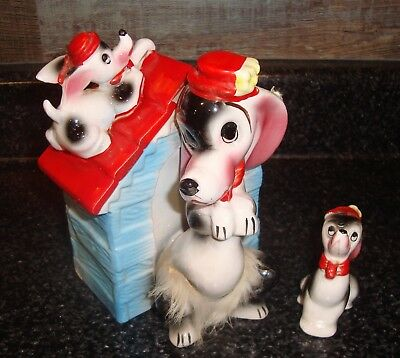 Very cute ceramic Bank, Vintage Japan Dog and Puppies on doghouse 1950s