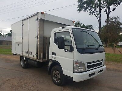 2008 Mitsubishi canter turbo diesel service body pantech  ideal generator truck