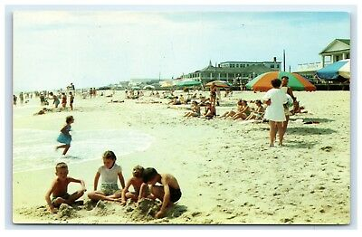 Rehoboth Beach Delaware Kid Playing In Sand Chrome Postcard Cond: Vg B5