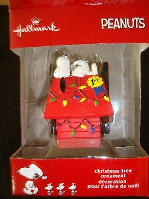 "Hallmark Peanuts Snoopy  Christmas Tree Ornament  Nib  "" Best In Show !!!"""