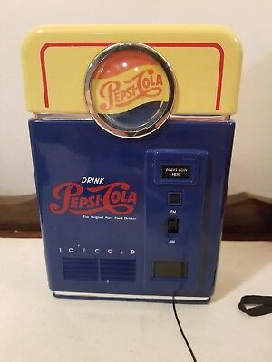 Pepsi-Cola Replica Collectibles (Flashlight/Vending Machine Radio/Jukebox)