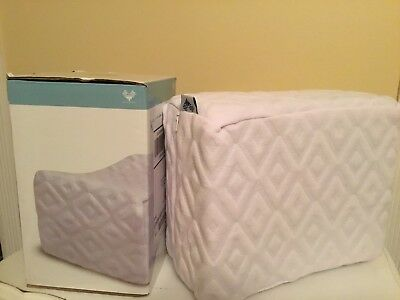 "KNEE WEDGE PILLOW NEW 10"" X 8"" X 5"" Orthopedic By PharMeDoc"