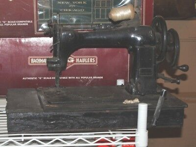 Singer model 11w6 hand crank industrial sewing machine Head only.