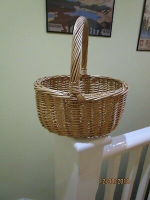 Small wicker type shopping basket with handle