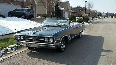 Oldsmobile Starfire Convertible - Classic 1964 model in great condition