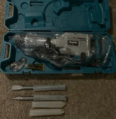 NEW 35 lb. Demolition/Breaker Hammer with case  NO RESERVE