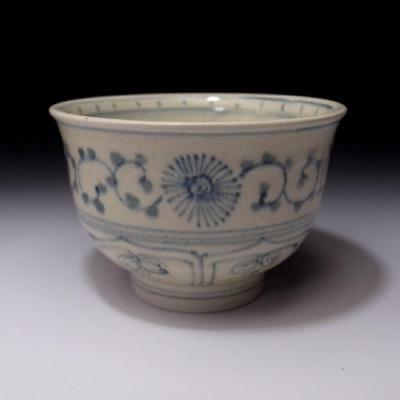 BB8 Vintage Japanese Hand-painted Tea Bowl, Seto Ware, Blue and white, Sometsuke