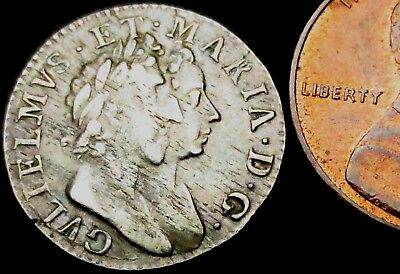 V085: 1689 William & Mary Conjoined Busts Maundy Silver Threepence