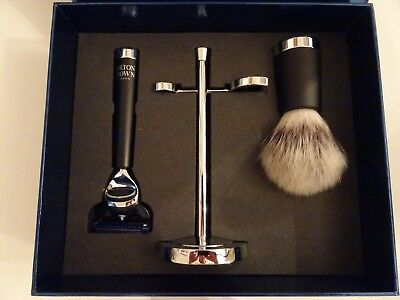 Molton Brown The Barbour Shop Gift Set. Mens Shaving Set