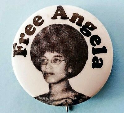 FREE ANGELA Davis 1970 button. Civil rights Movement. Black Panther Party