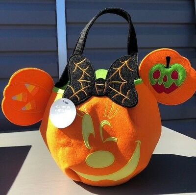 DISNEY Store HALLOWEEN 2018 TRICK OR TREAT Candy Tote Bag MINNIE Mouse GLOWS NWT
