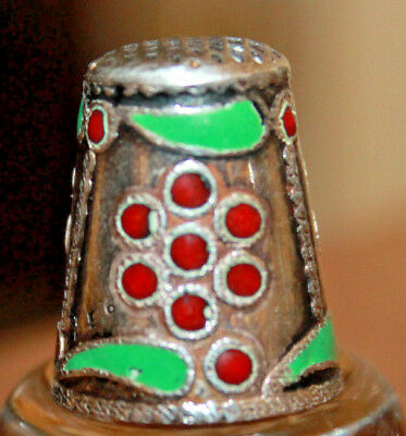 Vintage Old Solid Silver 935 Thimble With Red Enamel Berries & Green Leaves