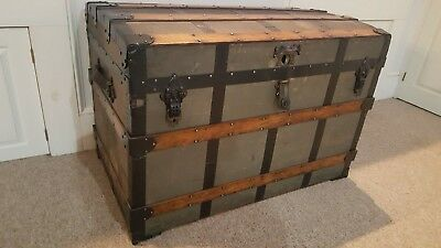 Antique Saratoga, Barrel, Wide Stave Travel Trunk - Large Size - Great condition