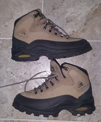 03bae1768f315 SUPER RARE AND Vintage Nike Acg Nike Air Boots Women s Size Us8.5 ...