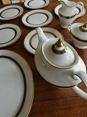 Royal Doulton Harlow 6 setting dinner and tea service Oxford