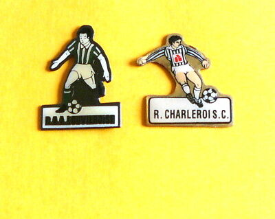 Lot de 2 PINS Football avec les attaches