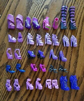 Lot of PURPLE Barbie and friends Shoes, Boots, Slippers, Sandals, Heels PAIRS