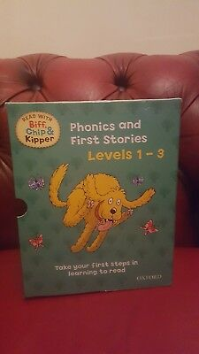 Collection Of Phonics And First Stories Biff, Chip & Kipper Books