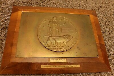 England / Canadian Bronze Death Penny On Wooden Plack Ww1 Vintage
