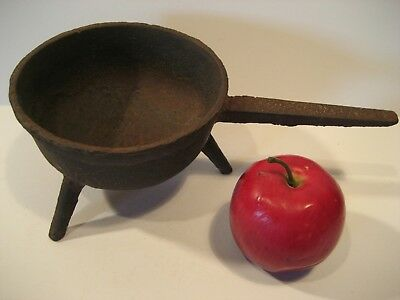 Small Early Antique Sand Cast Iron Posnet - Near Mint