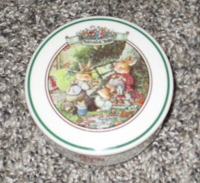 Villeroy & Boch Foxwood Tales Round Covered Candy Trinket Box