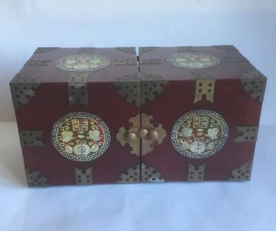 Vintage Chinese Red Wood Lacquer Mother of Pearl Jewellery Trinket Box