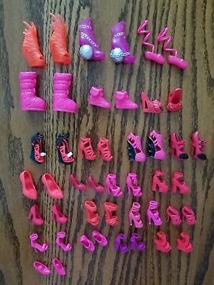 Lot of RED/PINK Barbie and friends Shoes, Boots, Sandals, Flats Heels PAIRS
