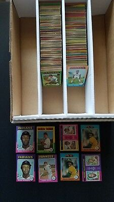 HUGE 1975 TOPPS BASEBALL CARD LOT (800) COMMONS in VG condition