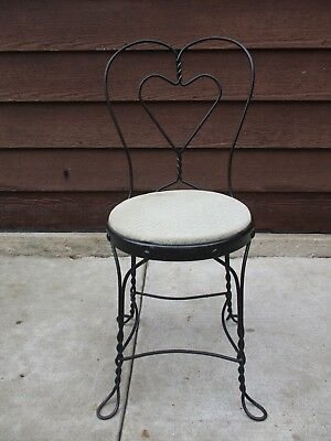 Antique Wrought Iron Twisted Metal Heart Ice Cream Parlor Chair Stool Seat (1)